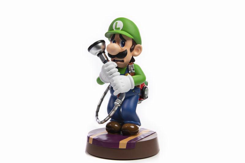 Luigi's Mansion 3/ Luigi 9 Inch PVC Statue product
