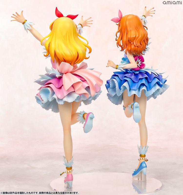 Lucrea Aikatsu! Ichigo Hoshimiya & Akari Ozora Cosmos Ver. Complete Figures 2
