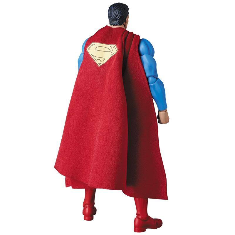MAFEX SUPERMAN (HUSH Ver.) 3