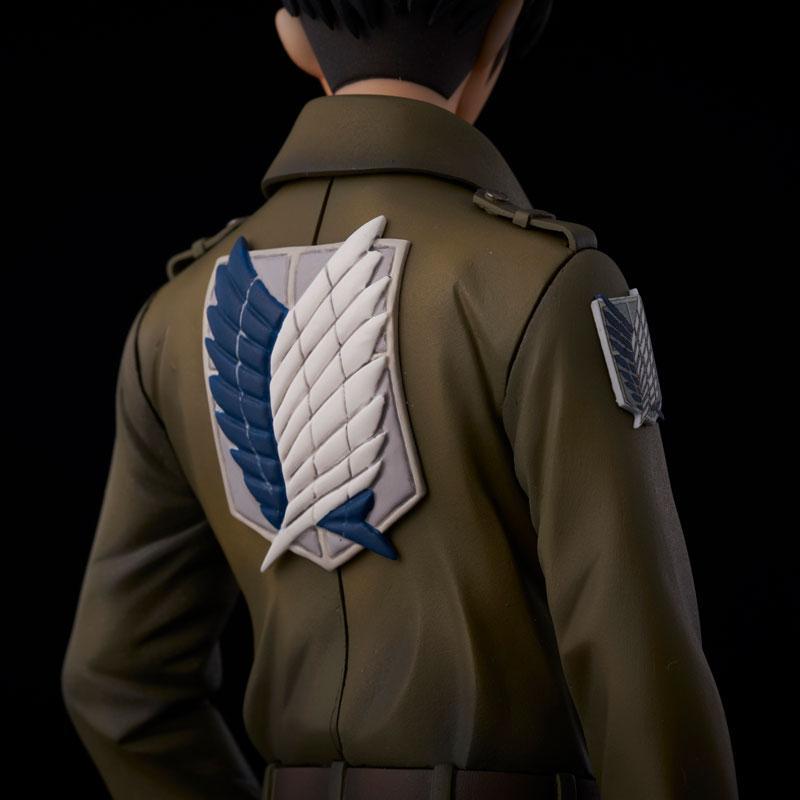 Attack on Titan Levi coat style Complete Figure