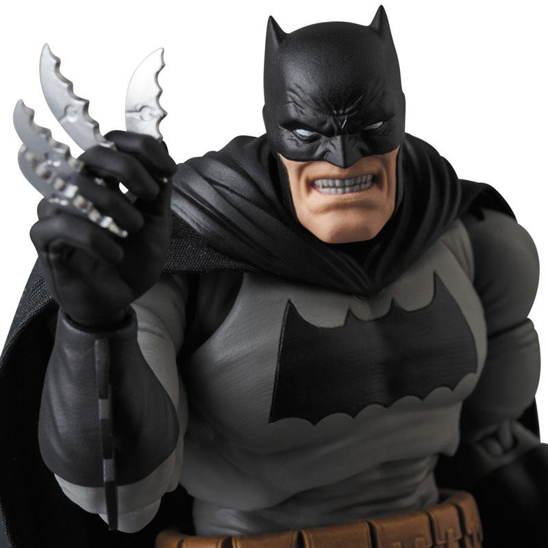 MAFEX No.106 MAFEX BATMAN (The Dark Knight Returns) 0