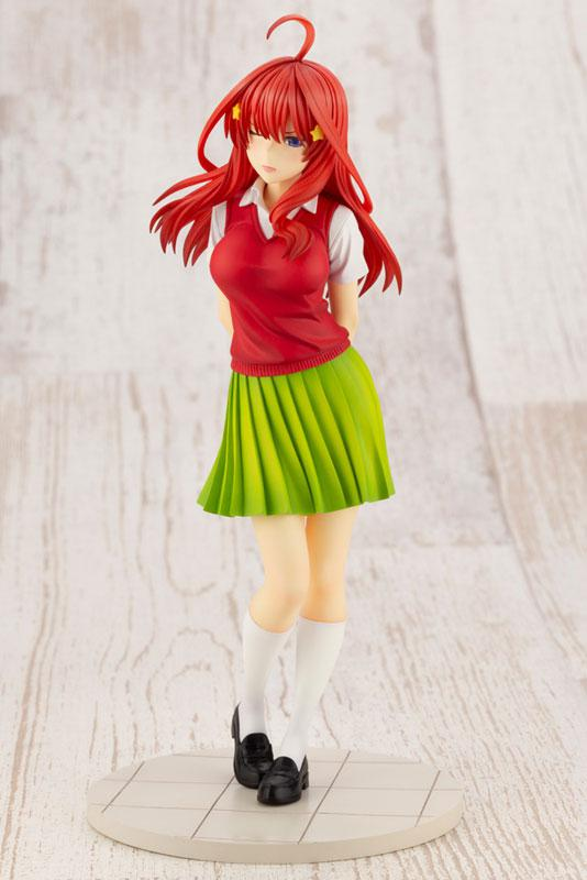 The Quintessential Quintuplets Itsuki Nakano 1/8 Complete Figure