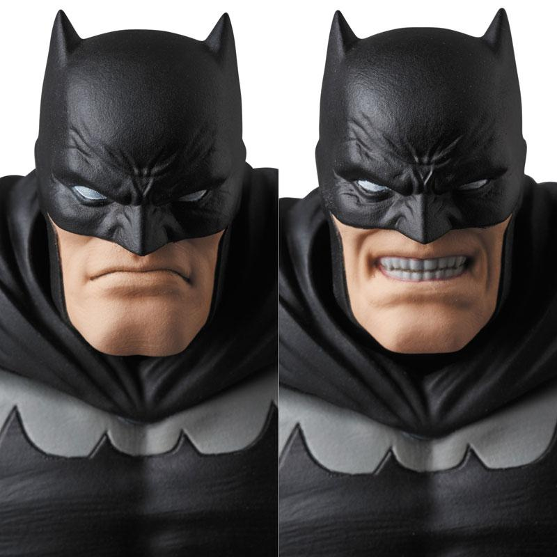 MAFEX No.106 MAFEX BATMAN (The Dark Knight Returns) 1