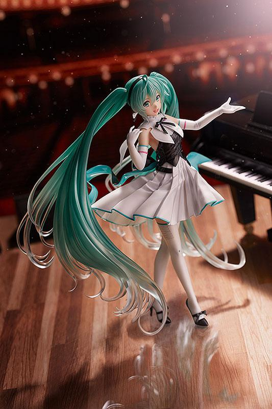 Character Vocal Series 01 Hatsune Miku Symphony 2019 Ver. 1/8 Complete Figure 2