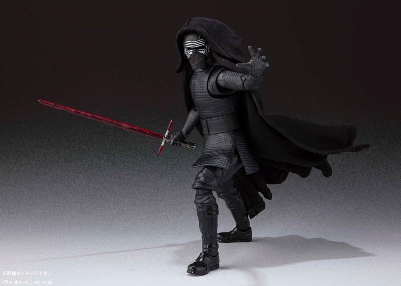 S.H.Figuarts Kylo Ren (STAR WARS: The Rise of Skywalker) 2