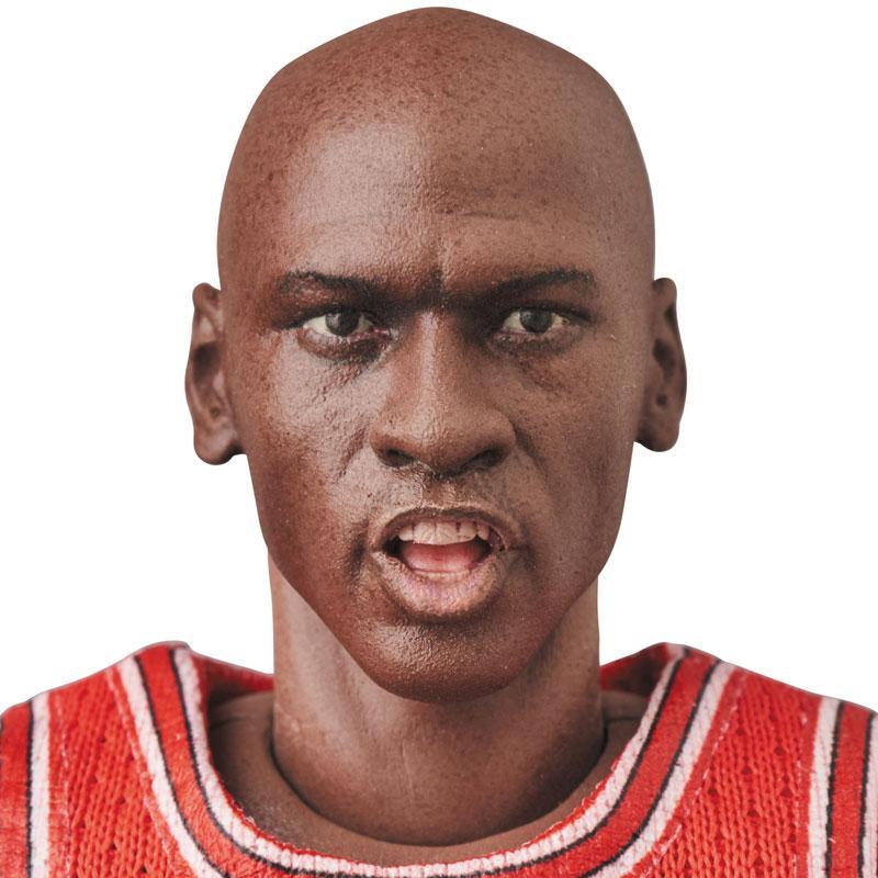 Mafex No.100 MAFEX Michael Jordan (Chicago Bulls) 4
