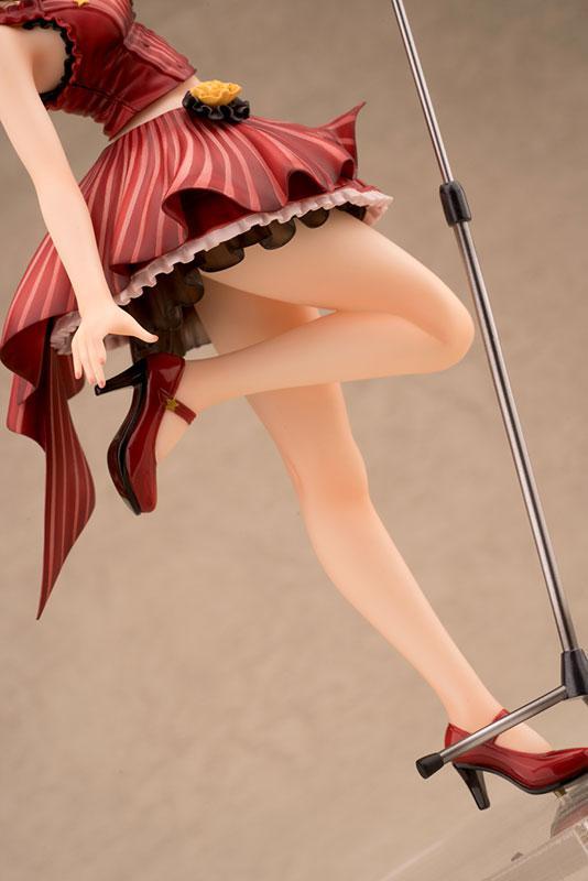 ULTRAMAN Rena Sayama 1/7 Complete Figure