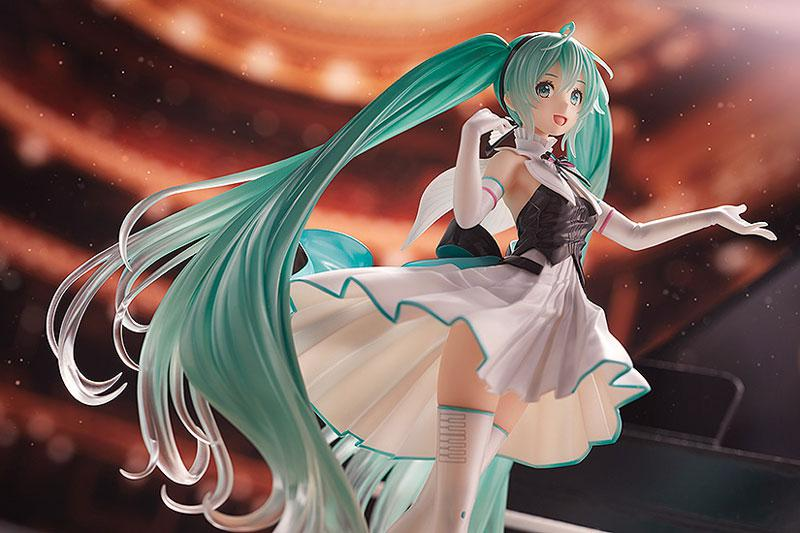 Character Vocal Series 01 Hatsune Miku Symphony 2019 Ver. 1/8 Complete Figure