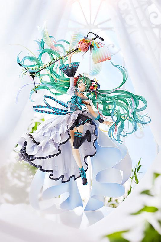 Character Vocal Series 01 Hatsune Miku Memorial Dress Ver. Figure 1