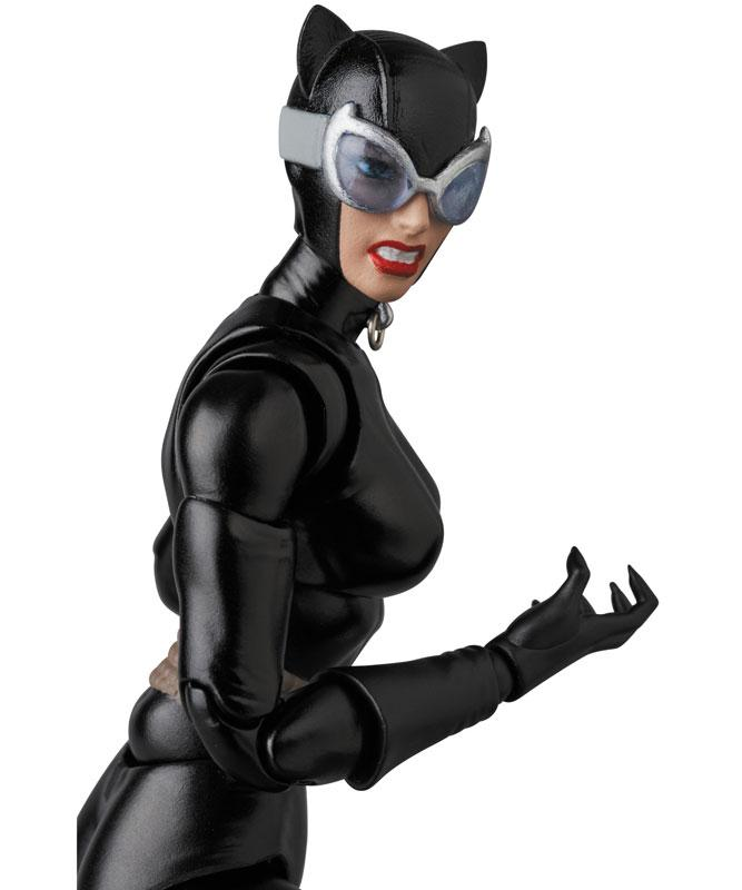 MAFEX No.123 MAFEX CATWOMAN (HUSH Ver.)