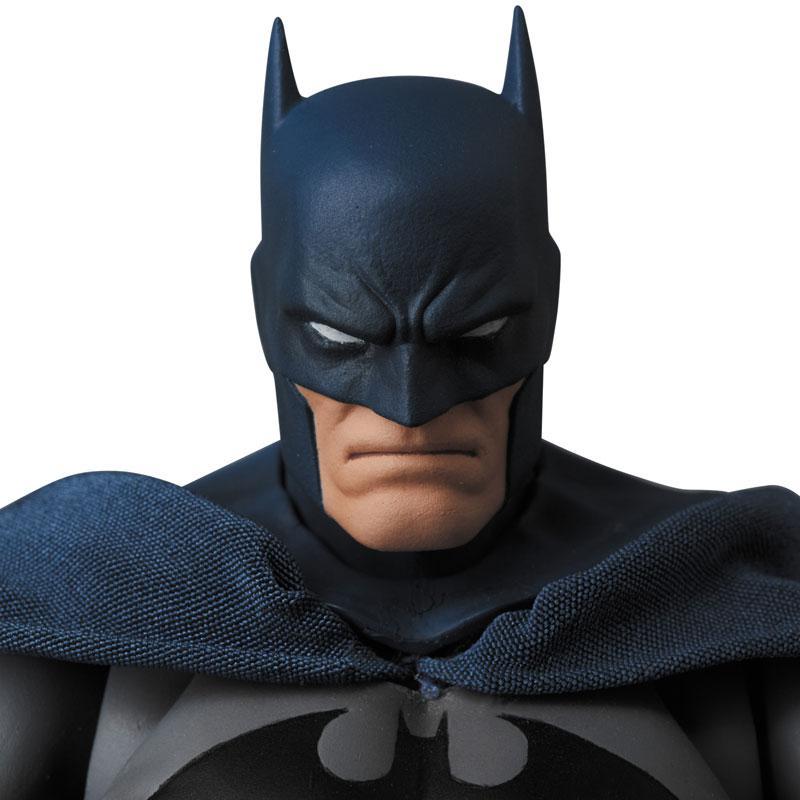 """Mafex No.105 MAFEX BATMAN """"HUSH"""" 1"""